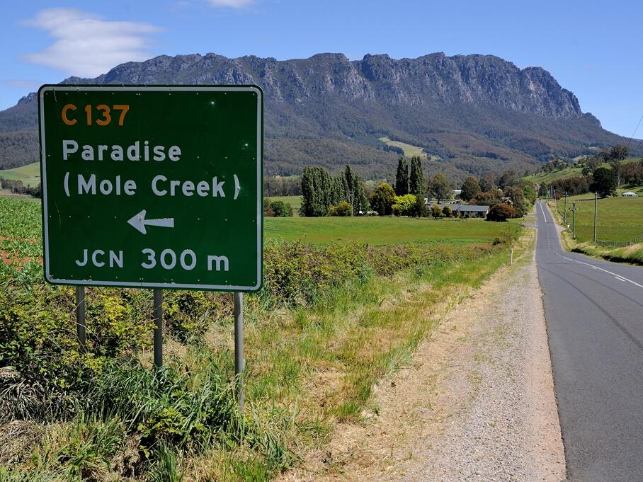 Landmark for Paradise near Cradle Mountain Hotel