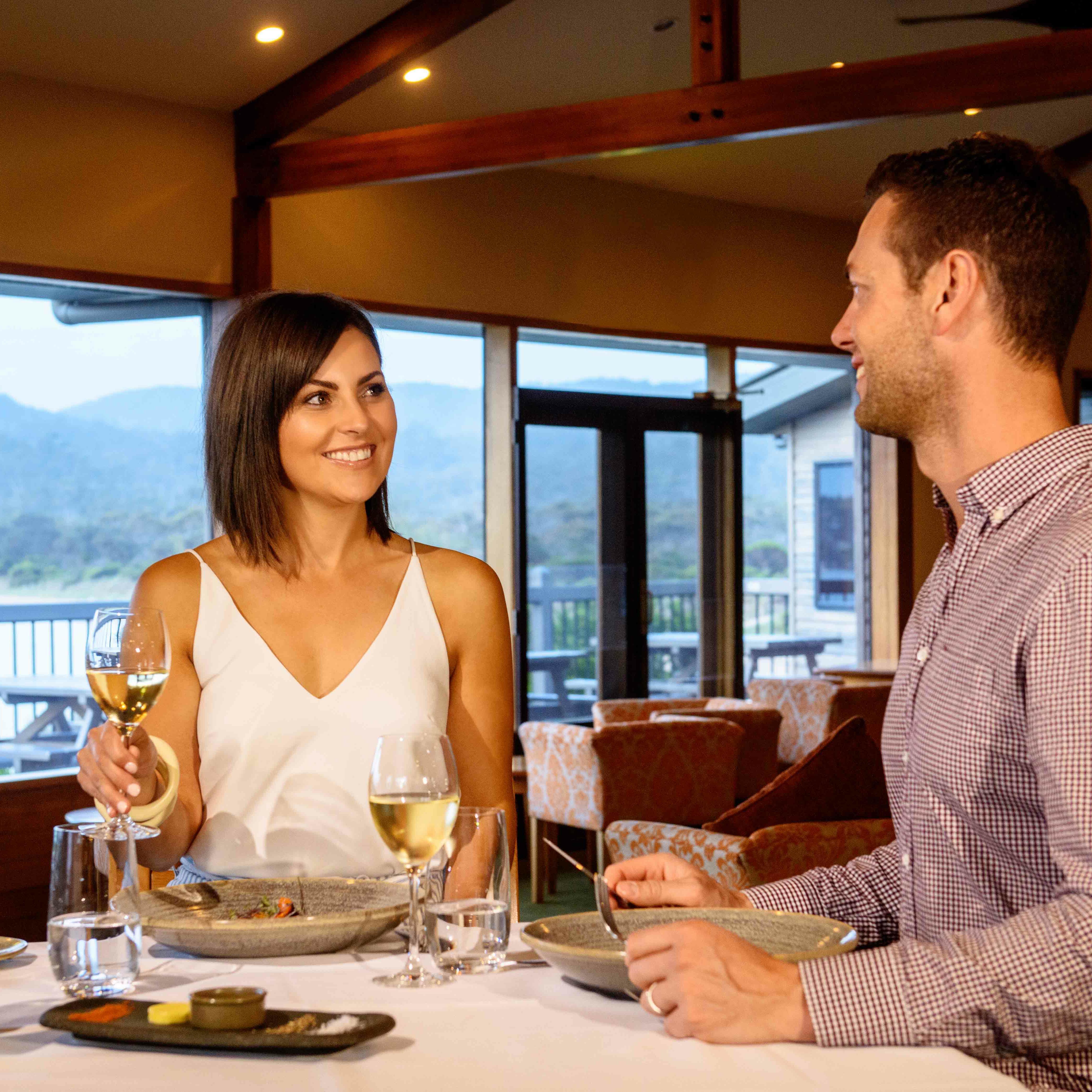 Couple dinning at Hazards Bar in Freycinet Lodge