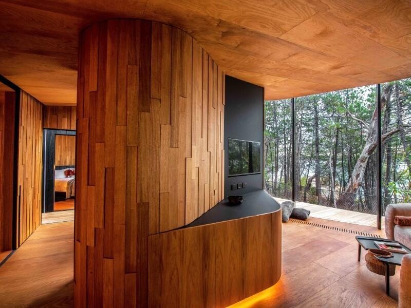 Coastal Pavilion TV & lounge area at Freycinet Lodge