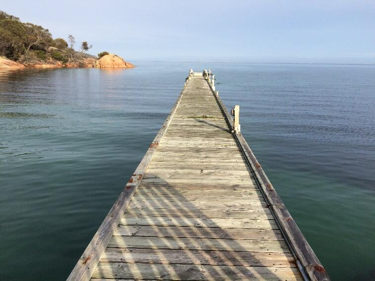Jetty with the Great Oyster Bay at Freycinet Lodge