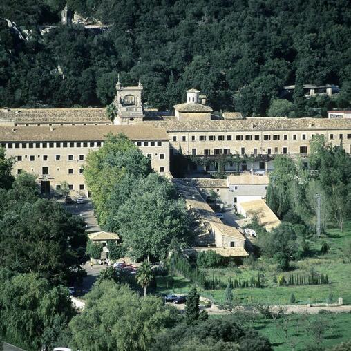 Découvrez le monastère de Lluc et le point de vue de Ses Barques.