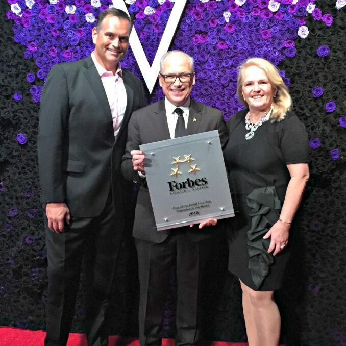 2018 Forbes Travel Guide award ceremony at Somerset Grace Bay