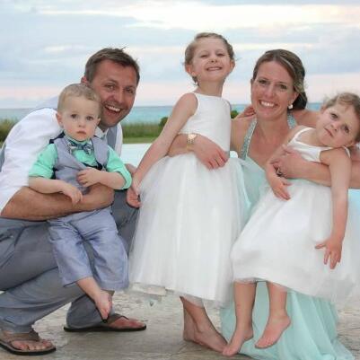 Family photo at Treasured Times Winners at Somerset Grace Bay