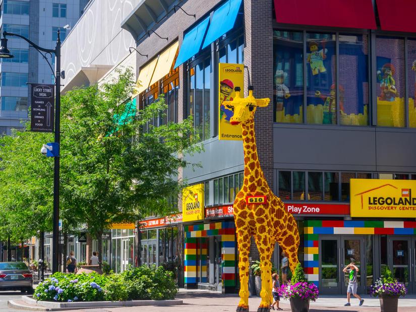 Large Lego giraffe outside of LegoLand