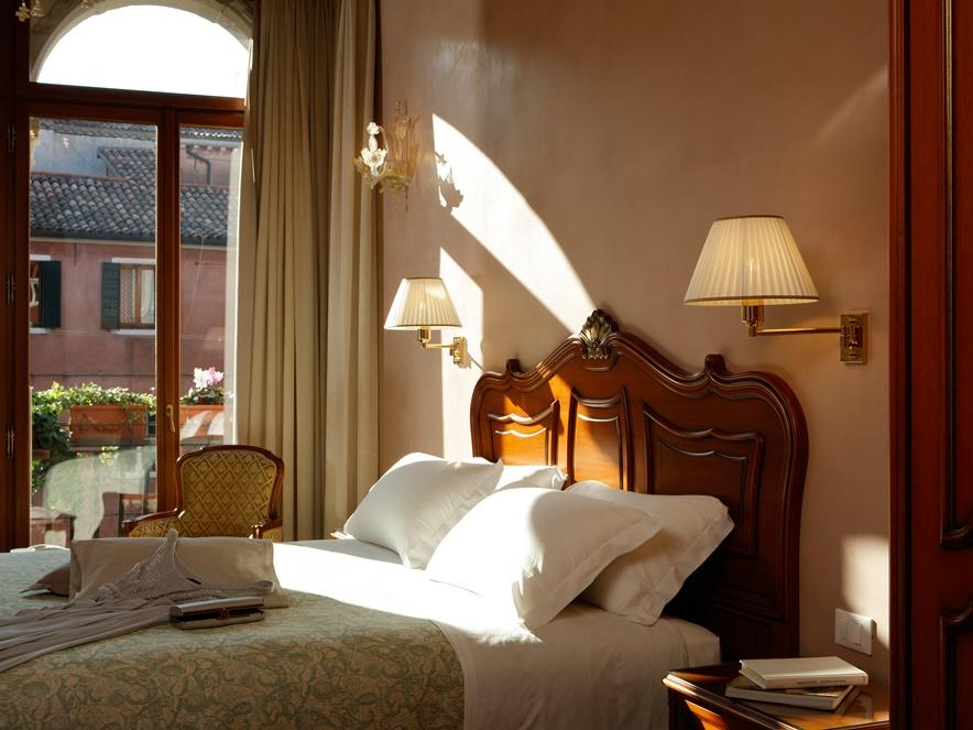 Direct booking at Hotel Bisanzio in Venice, Italy