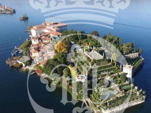 Visit Lake Maggiore with Castello dal Pozzo in Oleggio Castello, Italy