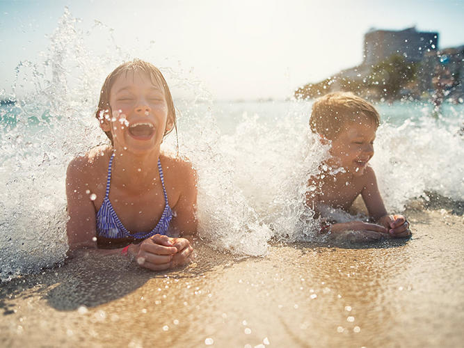 kids-ocean-virginia-beach