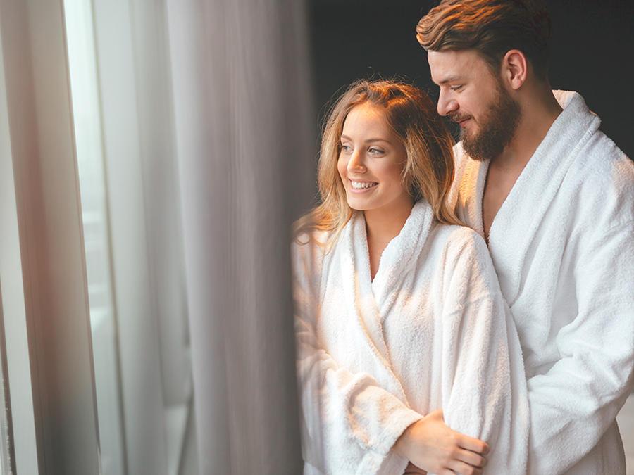 young couple - pareja joven