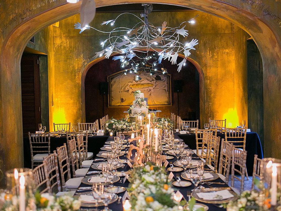 wedding table decoration in salon martorell