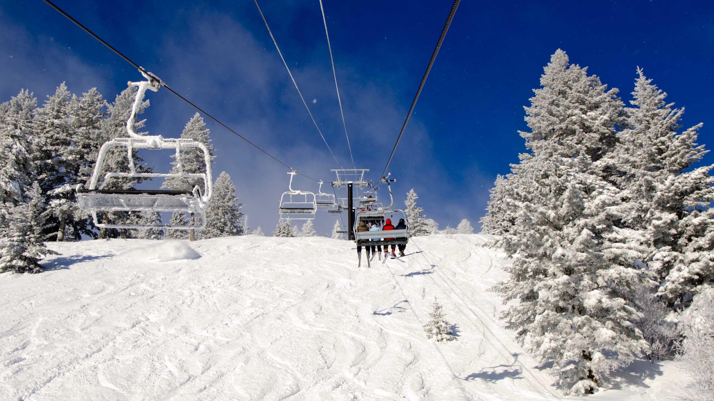 ski snowboard at bogus basin in boise