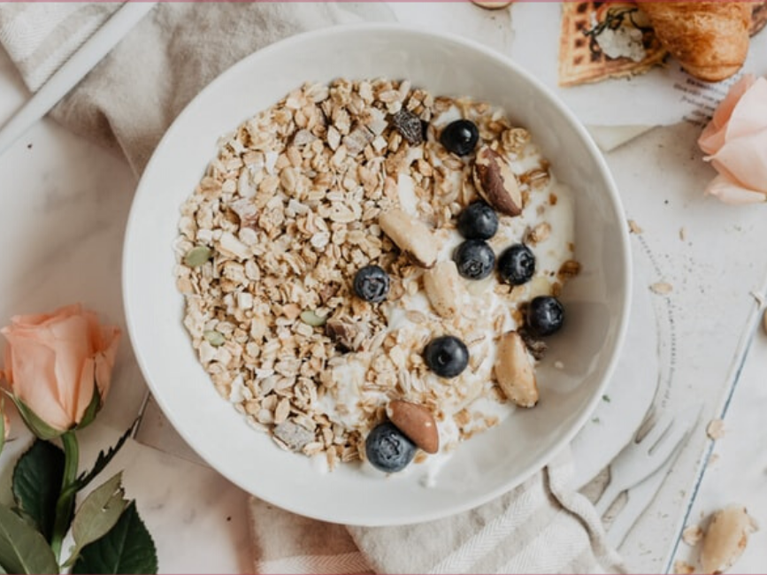 Breakfast oats with nuts and blueberries