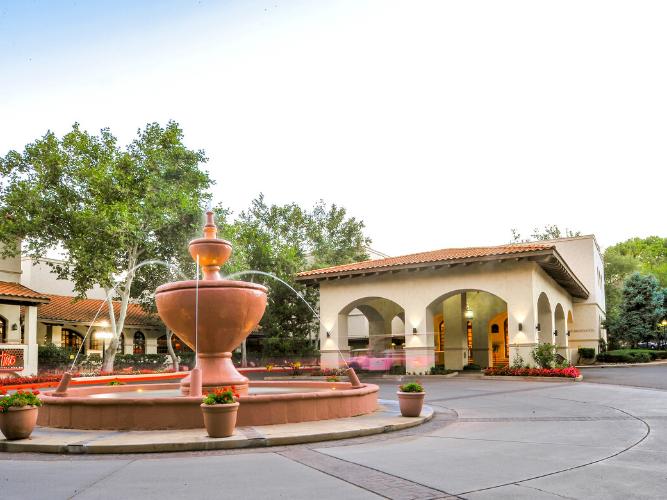 Los Abrigados Resort and Spa front entrance