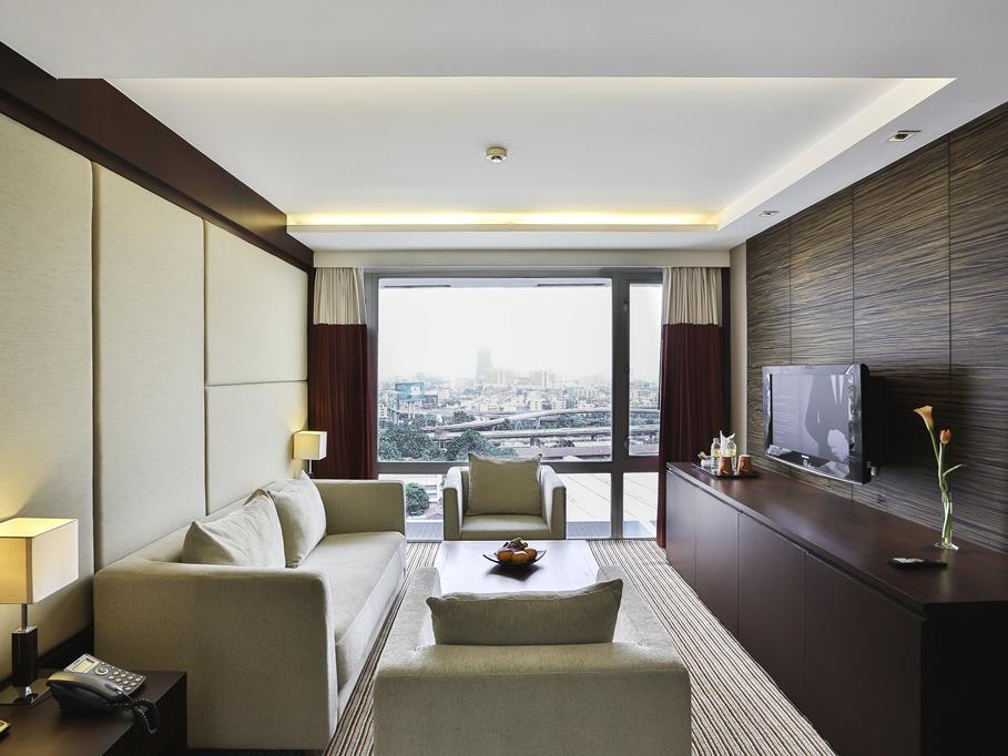 Eastin Hotel Makkasan Executive Suite