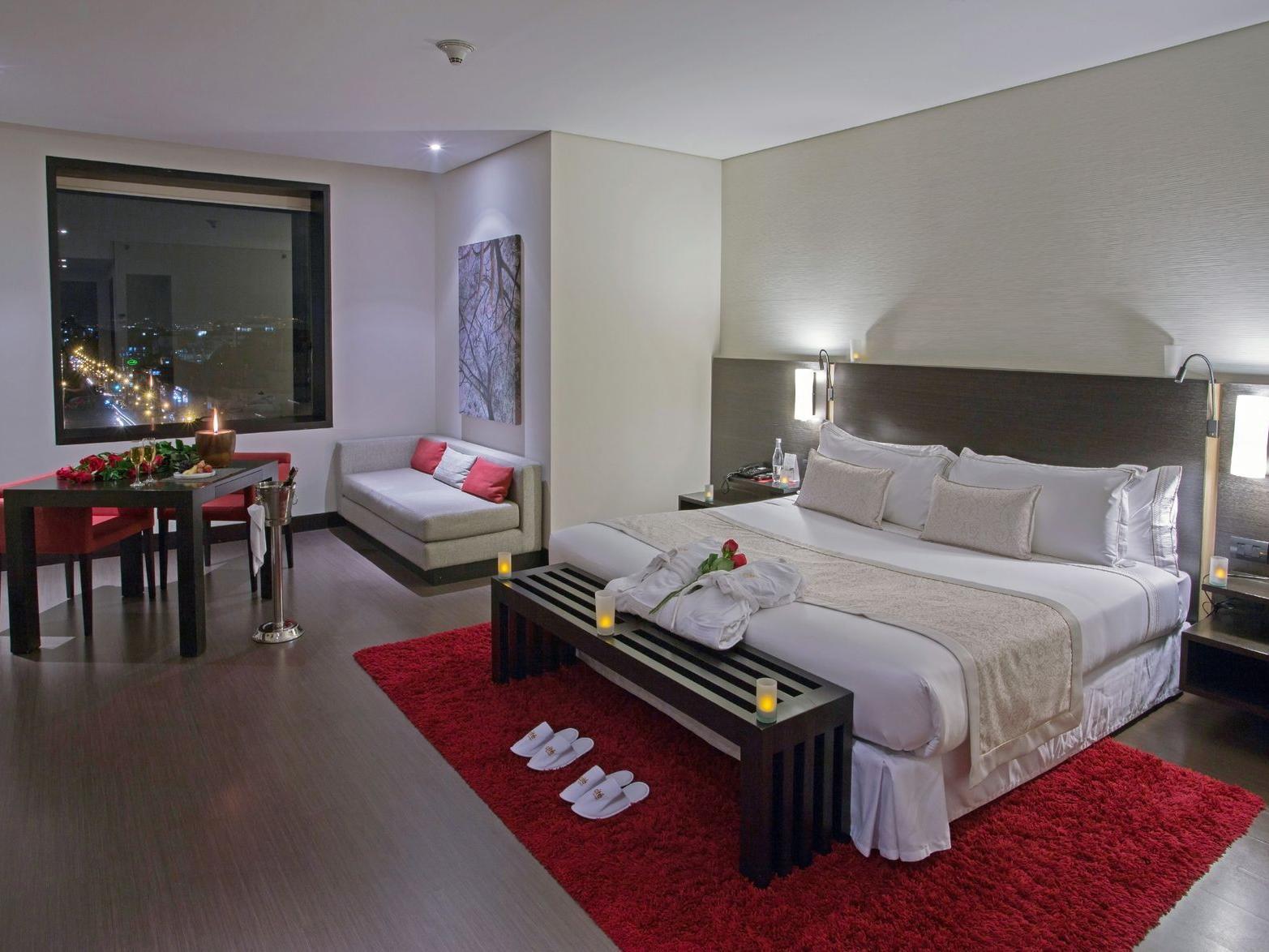 Noche romántica en habitacion superior o estándar king