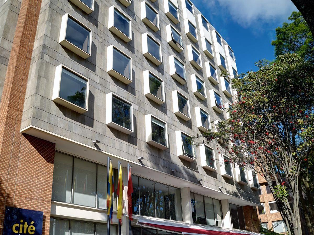 cite hotel façade from street
