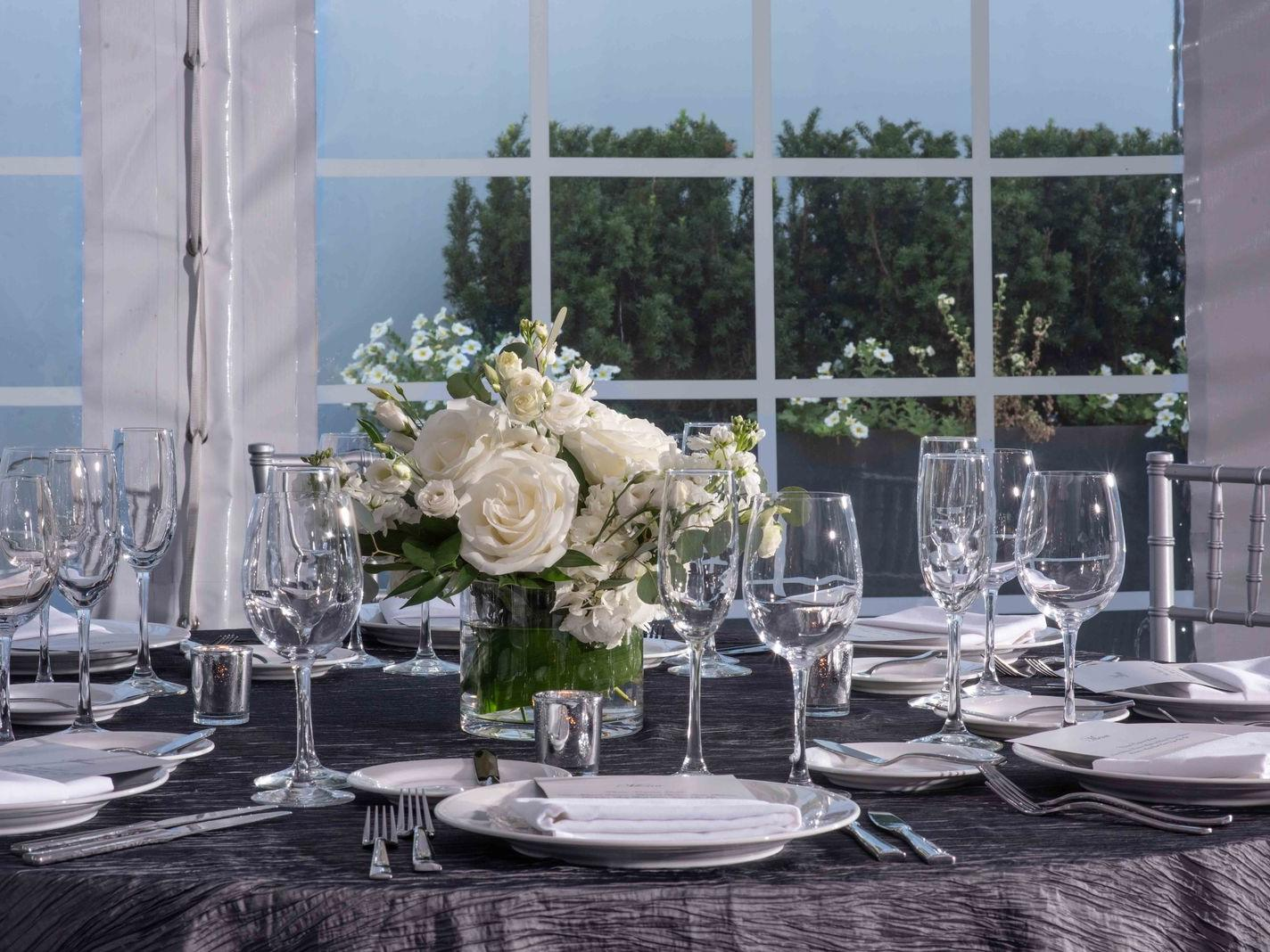 table décor with flowers