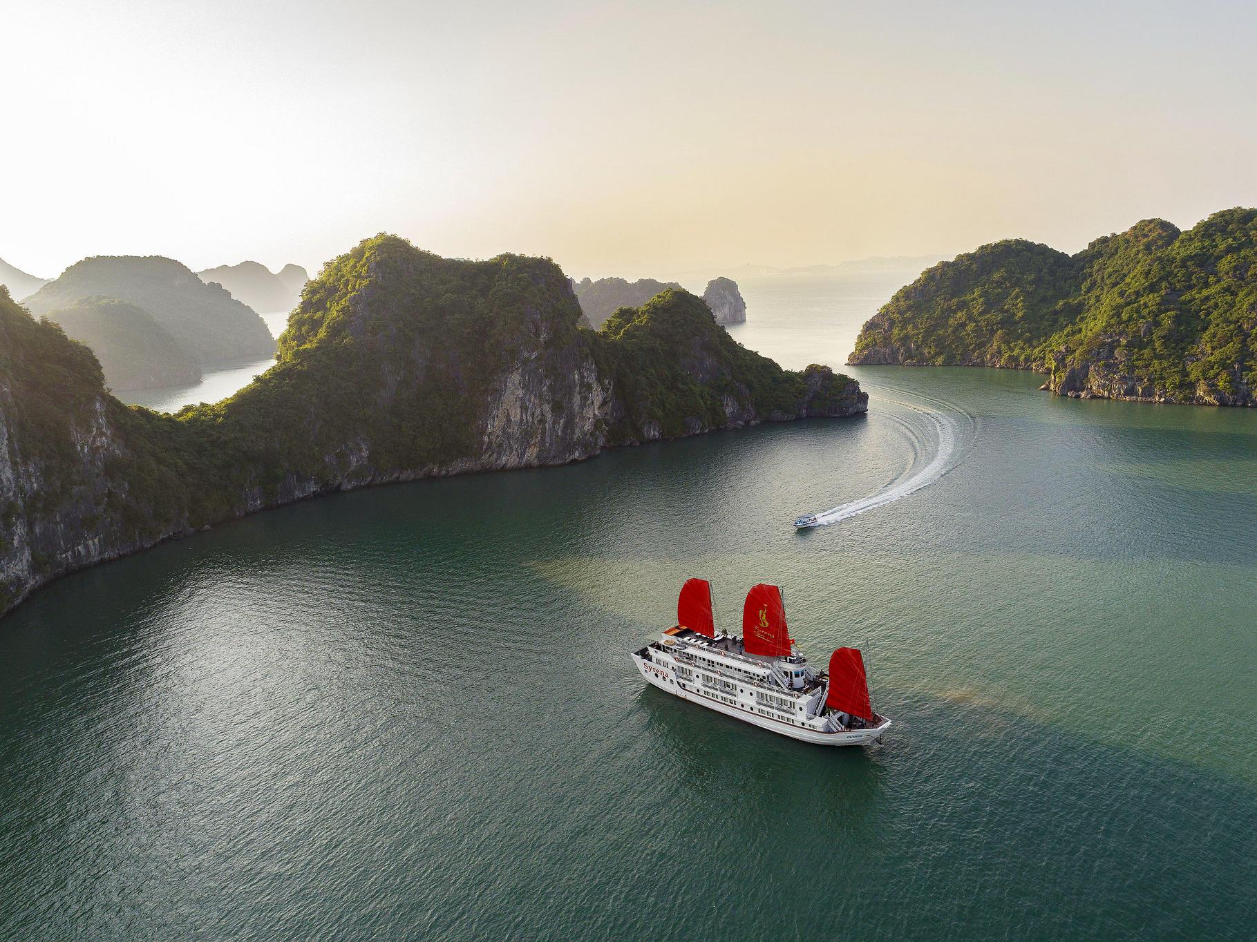 combo-halong-plaza-syrena-cruises