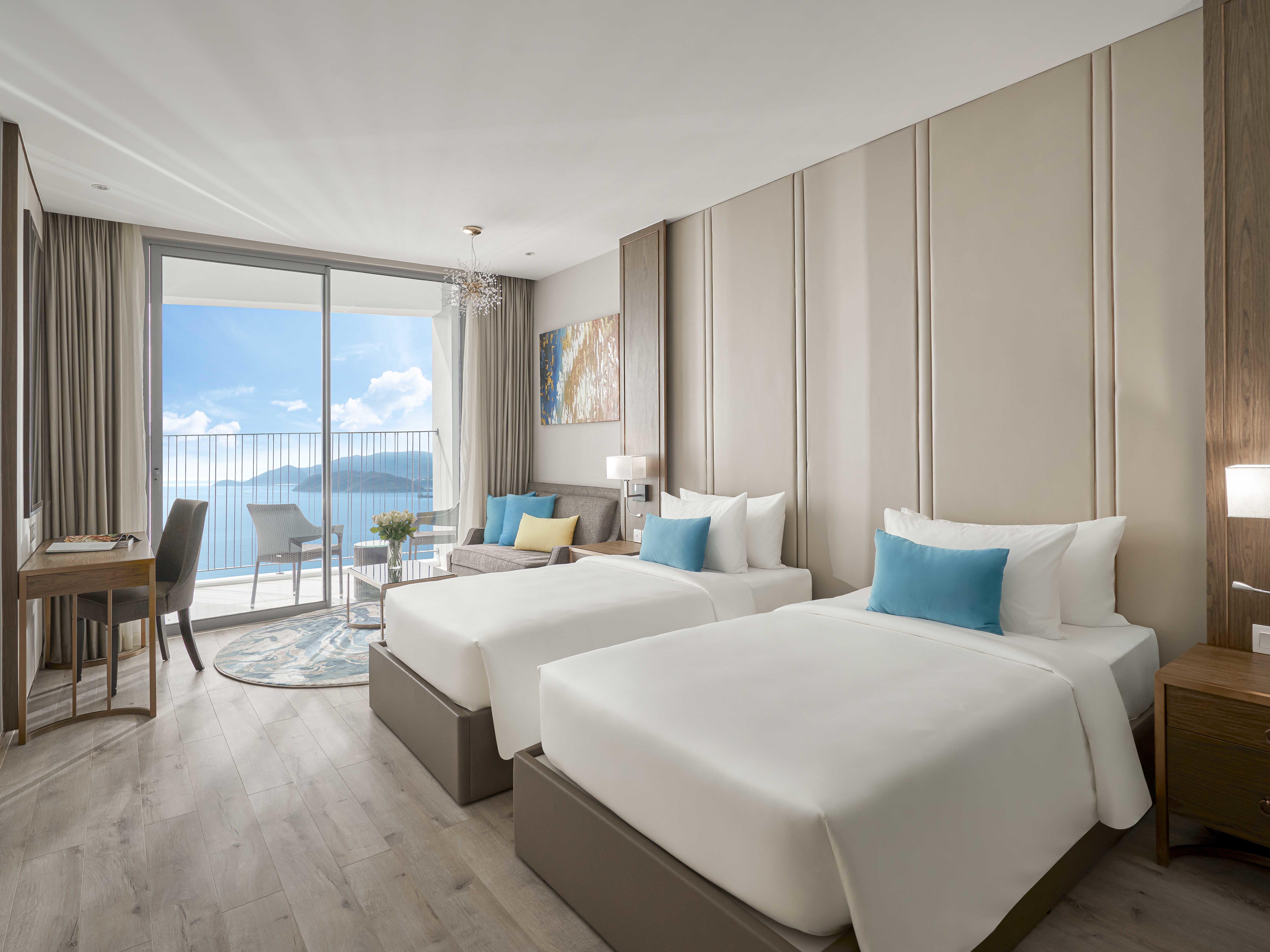 Deluxe Ocean View  - Eastin Hotel