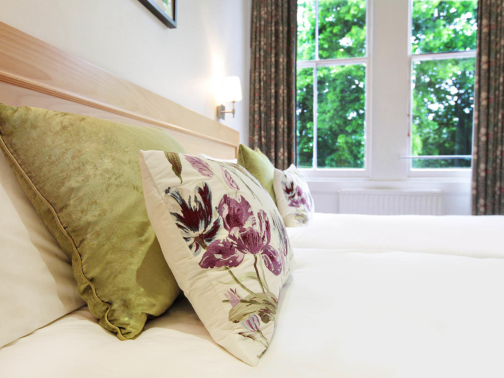A truly unbeatable £25 room rate at Victoria Square Hotel