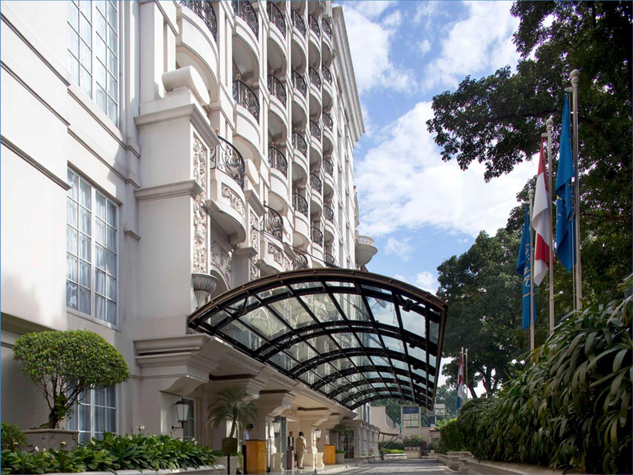 Stay Longer at Hotel Gran Mahakam