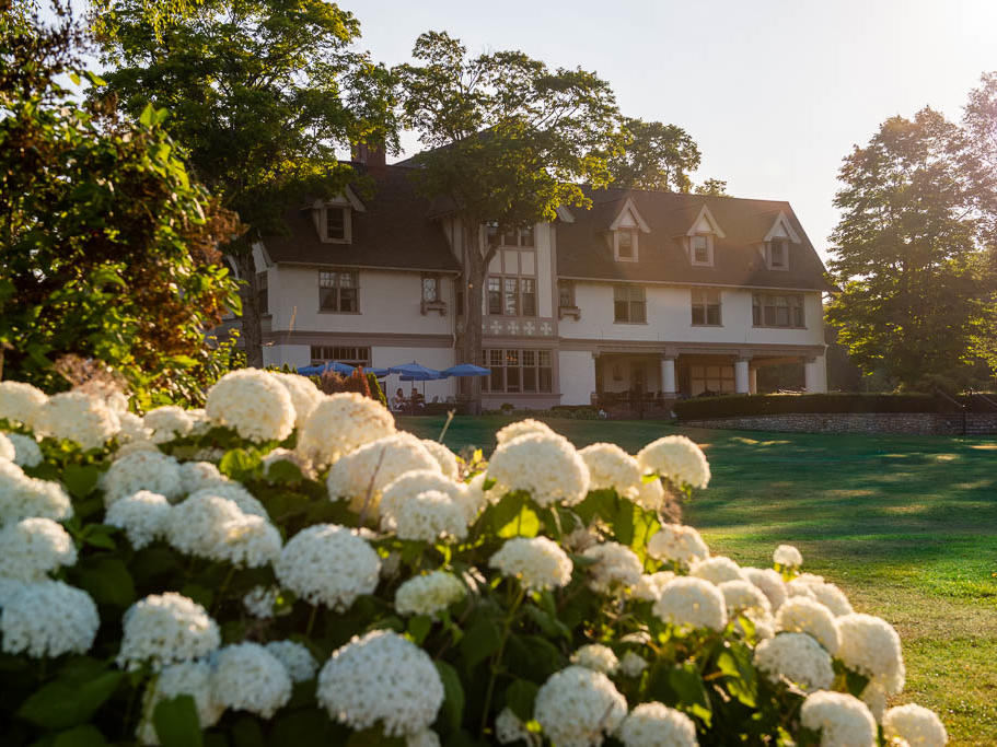 The mansion with hydrangea in bloom