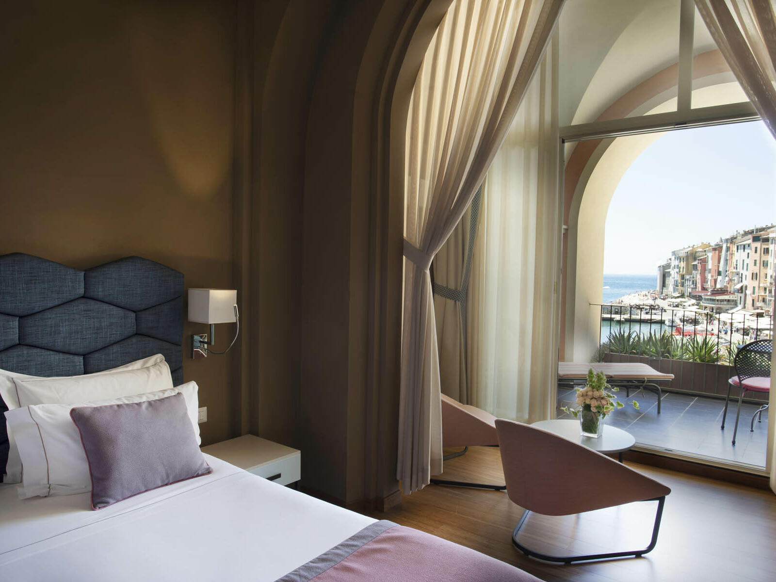 Comfy Bedroom with balcony - Grand Hotel Portovenere