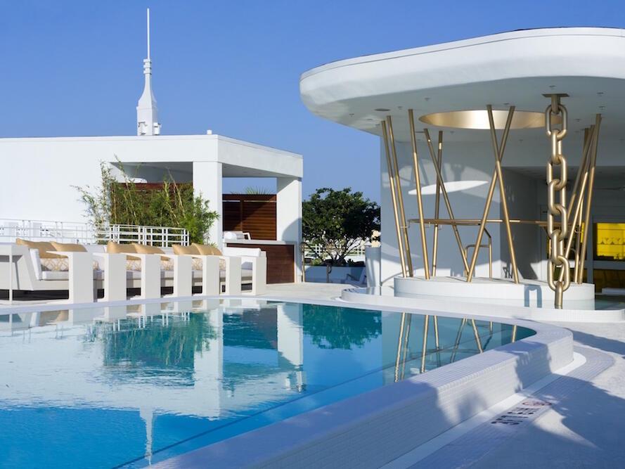 Rooftop Pool & the bar in Highbar at Dream South Beach