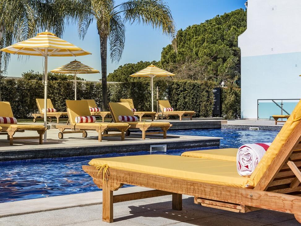 Exterior Pool - The Magnolia Hotel