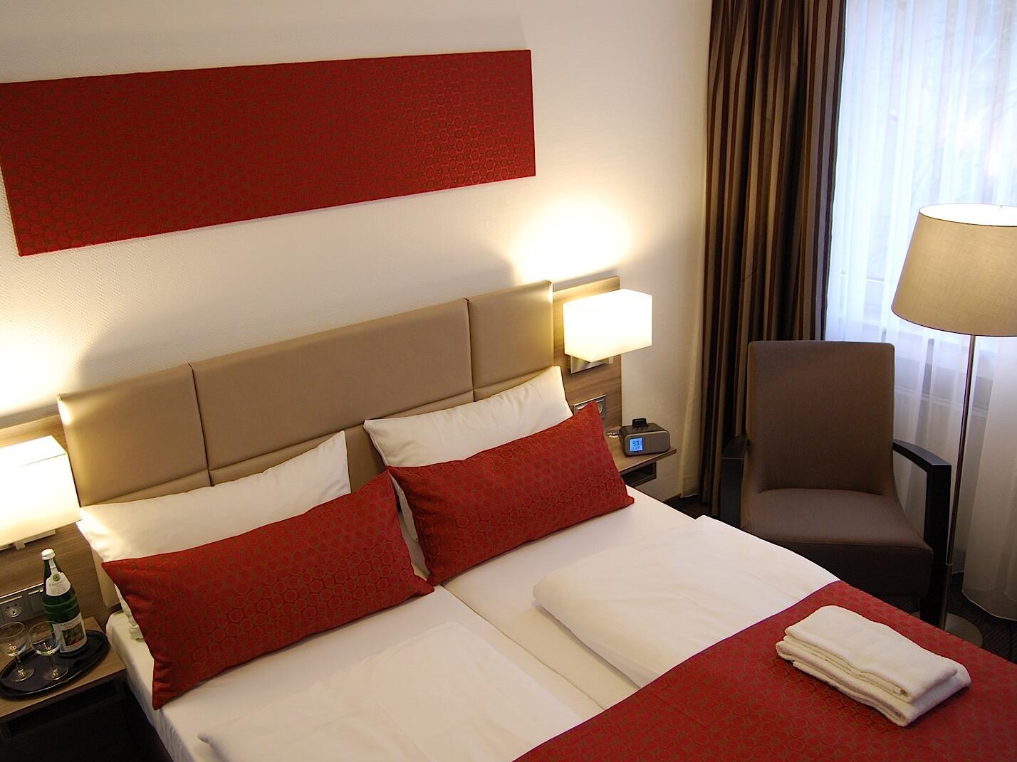Comfy bed-Dom Hotel Am Roemerbrunnen
