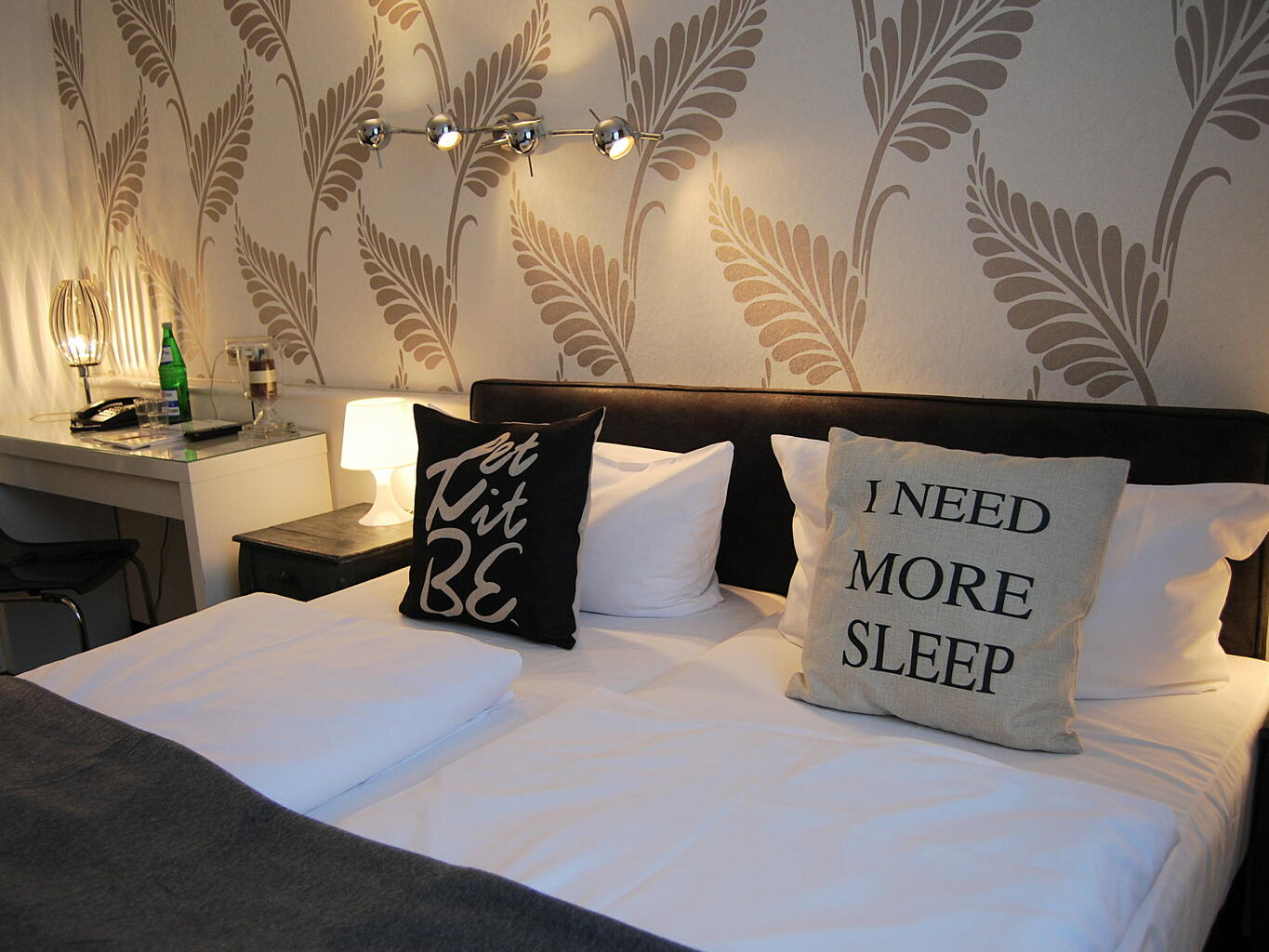 Pillows on the double bed - RHK Hotel Krone Aachen
