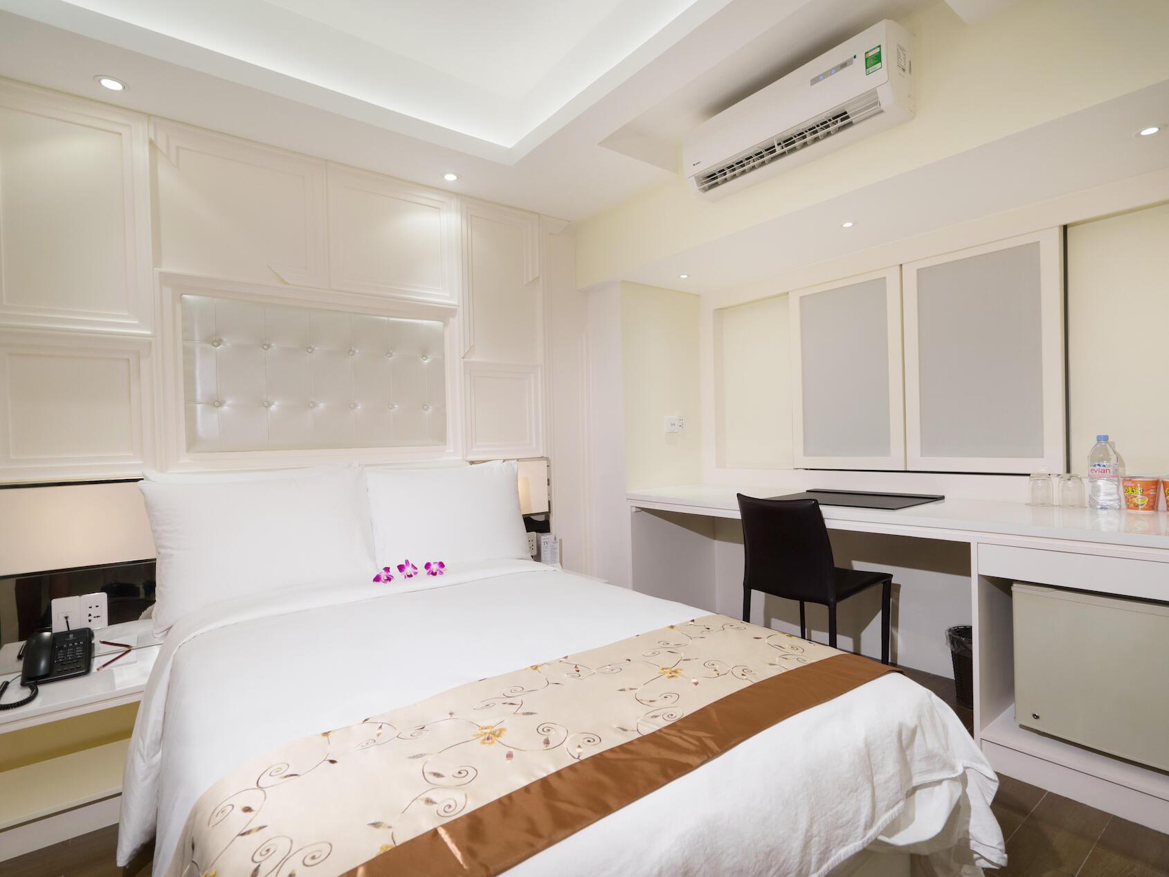 Premier bedroom at Empress Hotel Saigon