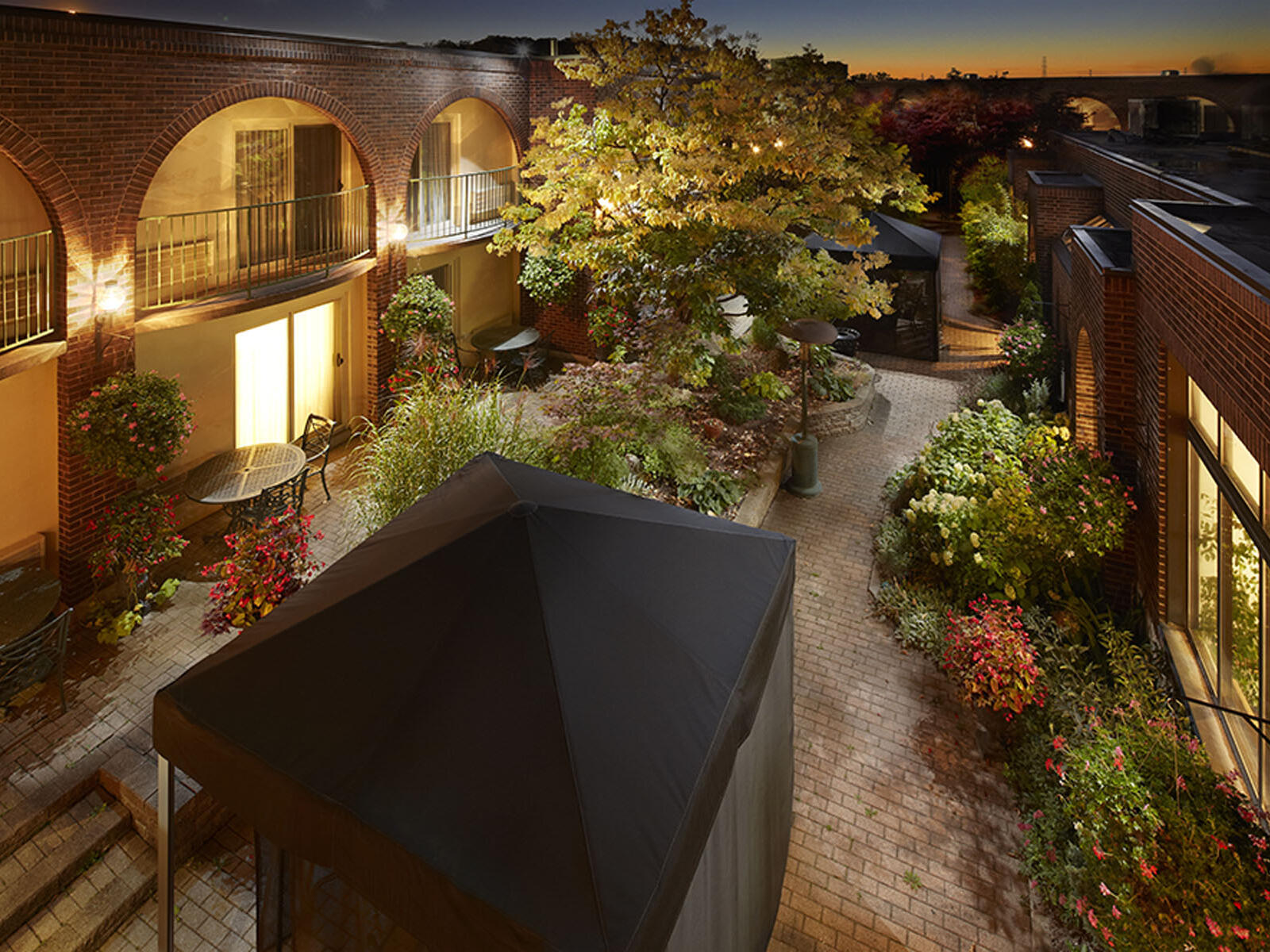 top view of courtyard at sunset at The Inn of Waterloo