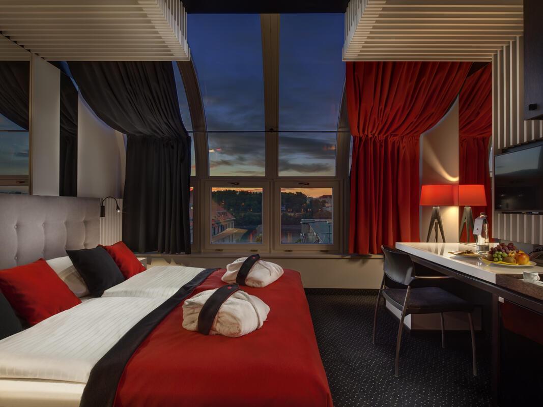 Sunset top room