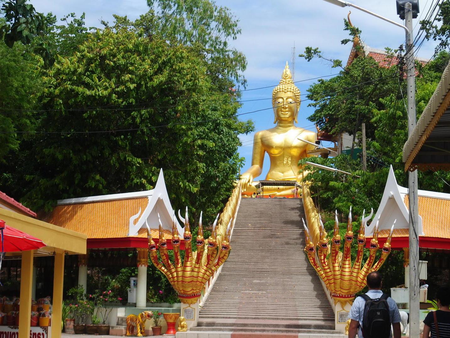 Wat Phra Yai Temple