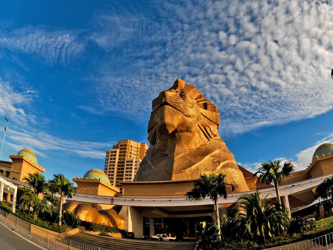 Sunway Pyramid Mall Facade