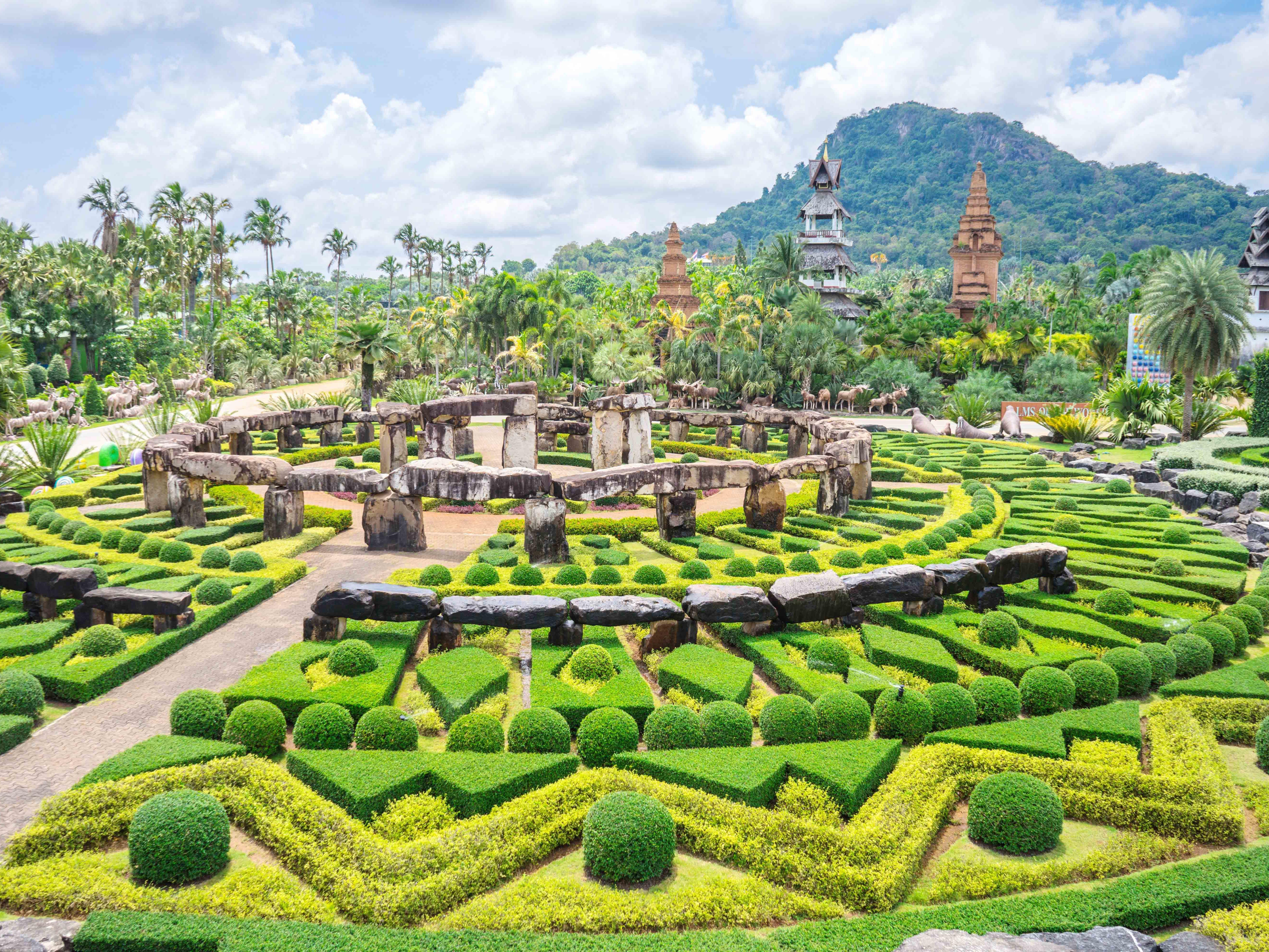 Nong Nooch Tropical Garden and Cultural Village