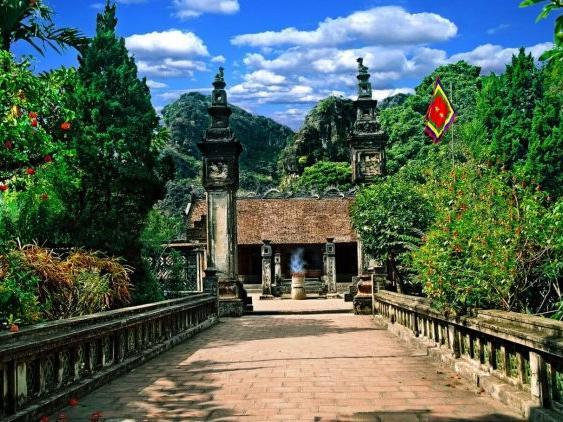 Hoa Lư at Hanoi Daewoo Hotel