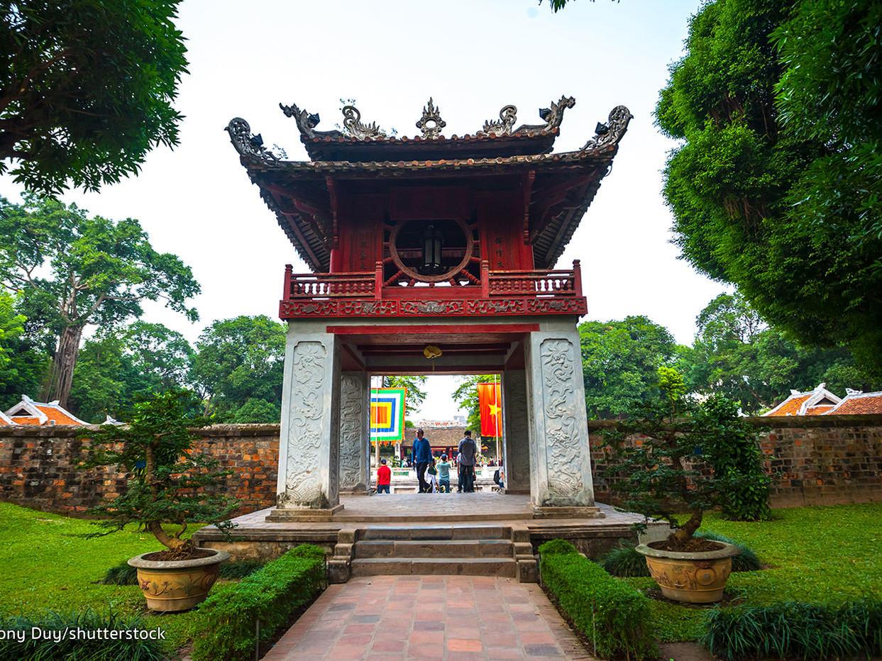 Temple of Literature (Van Miéu) at Hanoi Daewoo Hotel