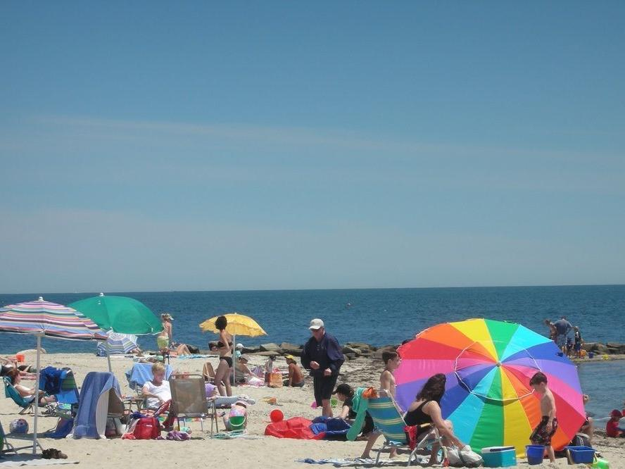 Crowd at Falmouth Hrights Beach