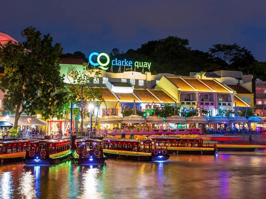 Clarke Quay Boat - Goodwood Park Hotel