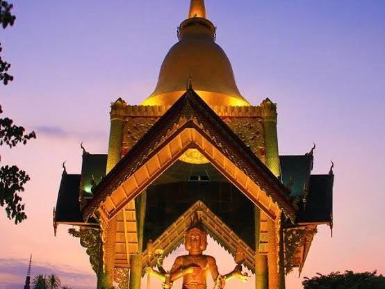 4 Brahma Statue Art