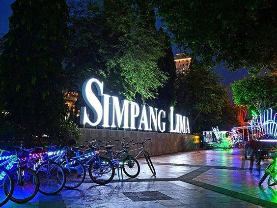 Neon display of Simpang Lima
