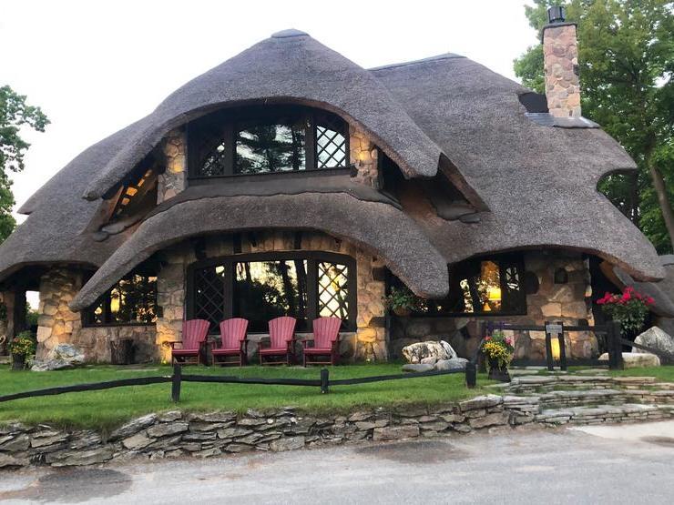 Mushroom House Tours Charlevoix