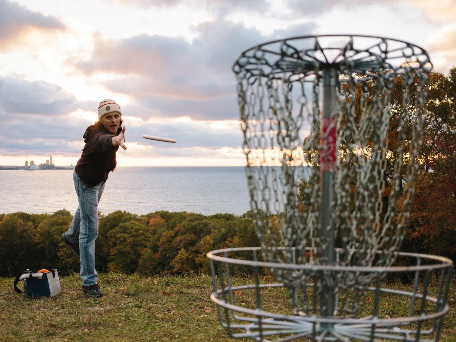 Disc golf in Charlevoix at Mt McSauba