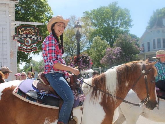 Cindy's Riding Stables Mackinac Island