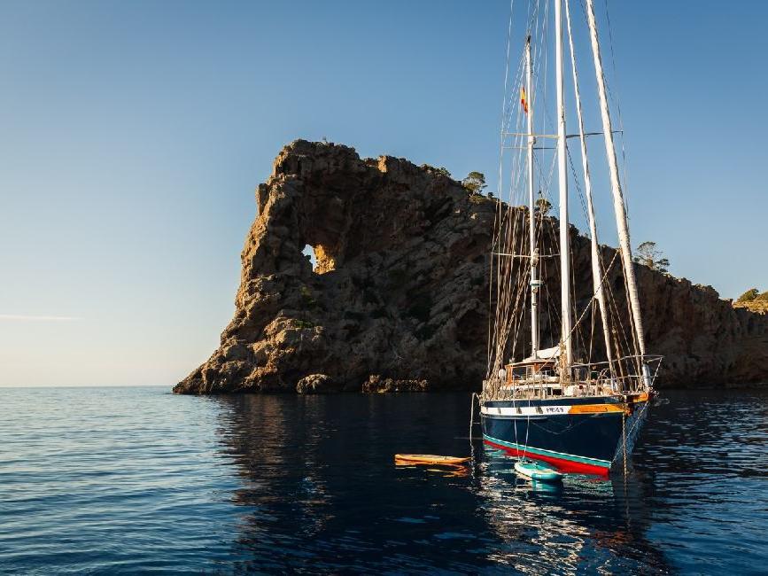 Paseo en barco por Sa Foradada