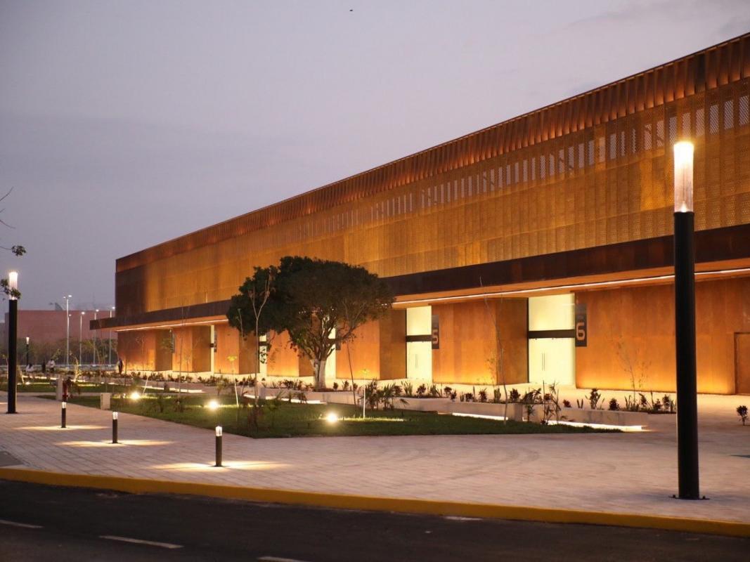 Exterior view of the Centro de Convenciones Hall at night