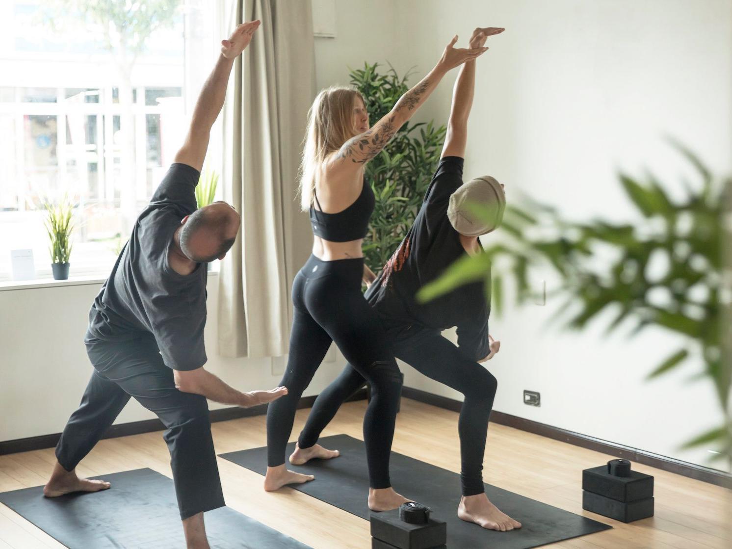 Yoga lessons in Powder yoga in Niseko near Chatrium Niseko Japan