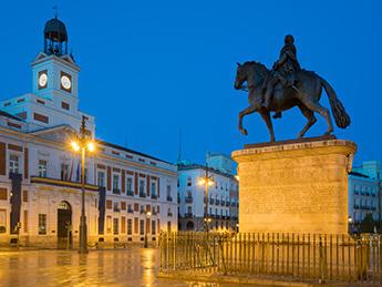 Puerta del sol madrid Carlos III statue