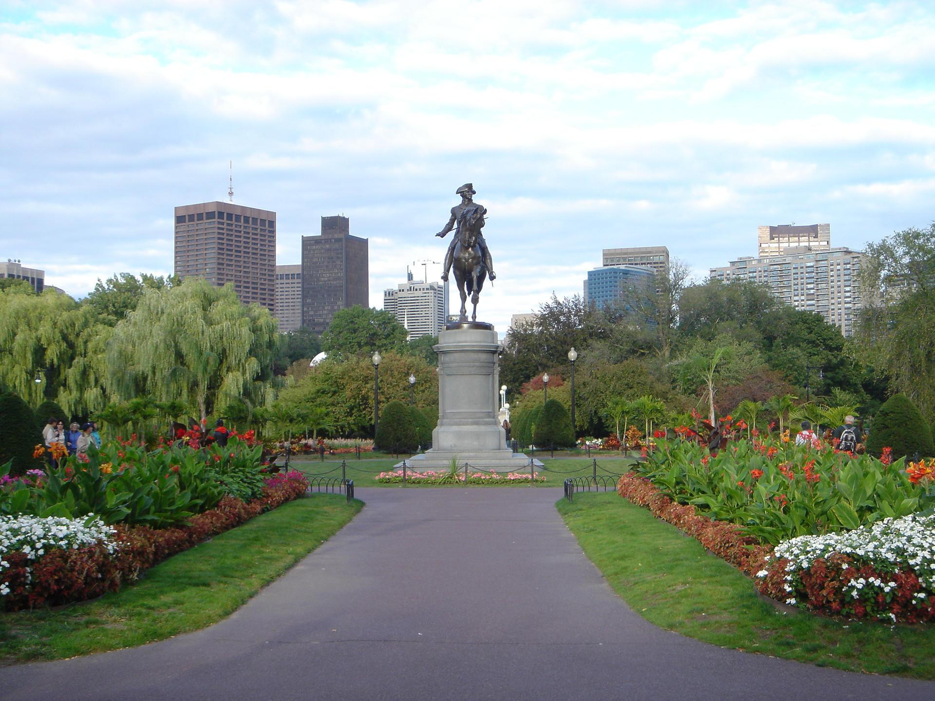 a statue in a garden